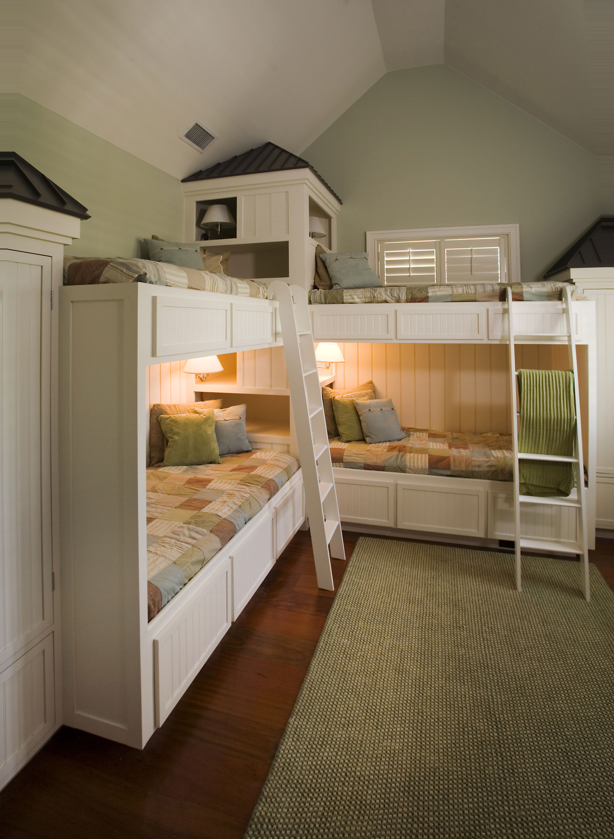 Bunk room, nautical style in beach house